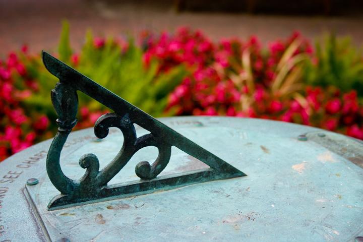 sundial-720.jpg